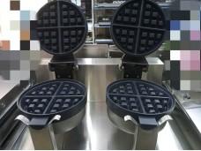 Вафельница для Бельгийских вафель двойная.